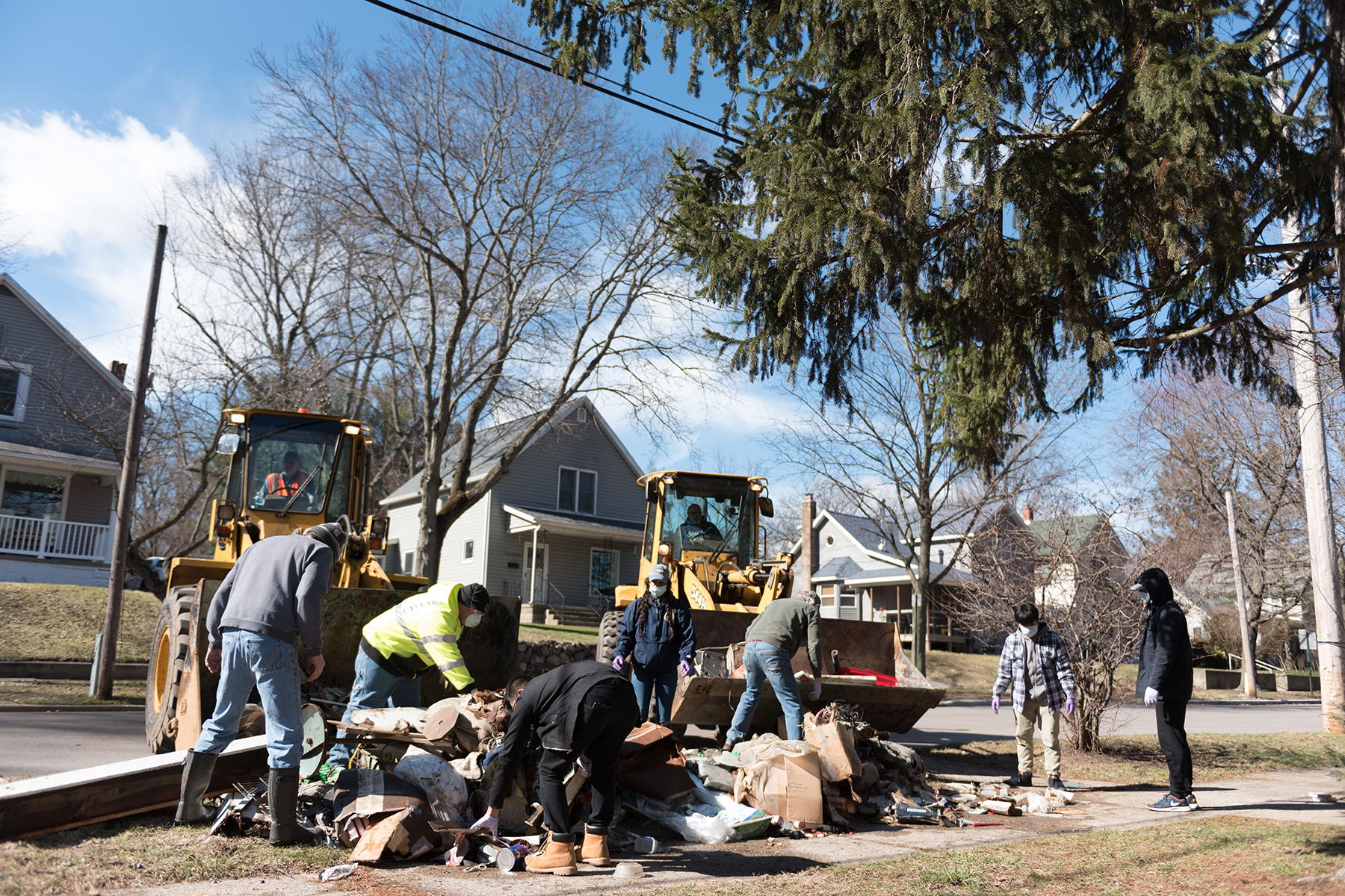 Andrews students, faculty and staff assist with flood clean-up efforts in Niles, Michigan.