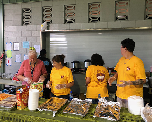 ACS volunteers on Hawaii's Big Island serve the displaced breakfast