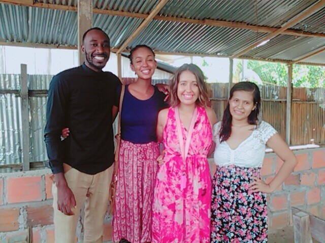 Cristina Norcross and friends in Peru